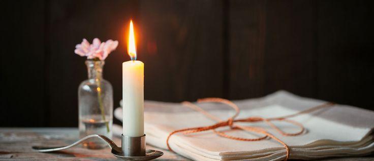 Se l'anno civile comincia il 1° gennaio e l'anno scolastico in settembre, la liturgia fa iniziare il proprio anno con la prima domenica di Avvento, quale preparazione al Natale. In realtà questo periodo è nato molto tardivamente: verso l'anno 600 d.C. i cristiani ritennero che la festa del Natale dovesse essere preceduta da un tempo …