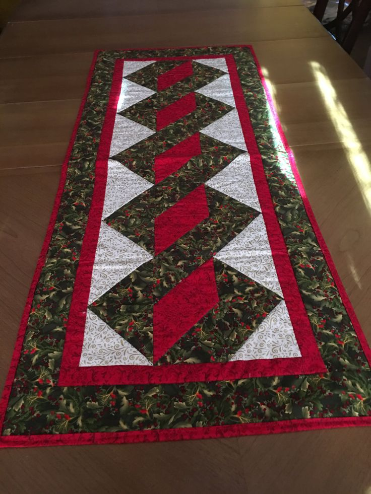 Superieur Christmas Table Runner, Holiday Table Runner, Holly And Berry Table Runner, XMAS  Table Runner, Red, Green Table Runner, Quilted Table Runner