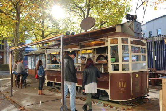 Creperies in einer alten Tram