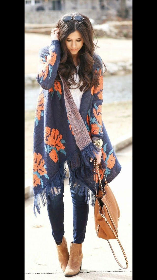 Long navy cardi with floral print and tassel. white tee, skinny jeans and booties. perfect fall outfit. Stitch Fix