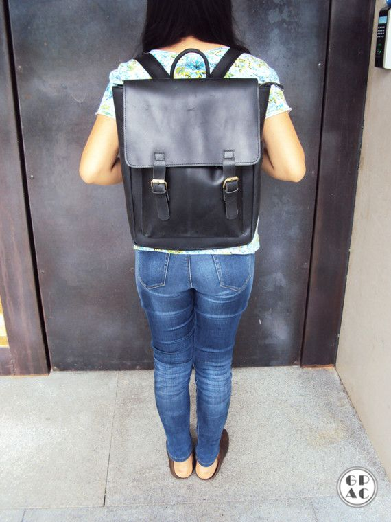 Classic timeless leather backpack, interest it contact me!