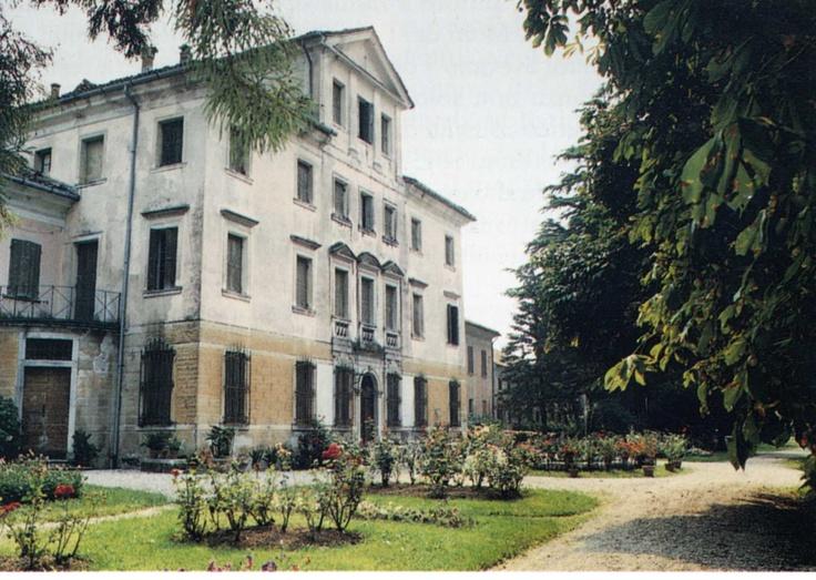 Villa Piloni Casteldardo Trichiana Belluno Dolomiti Veneto Italia