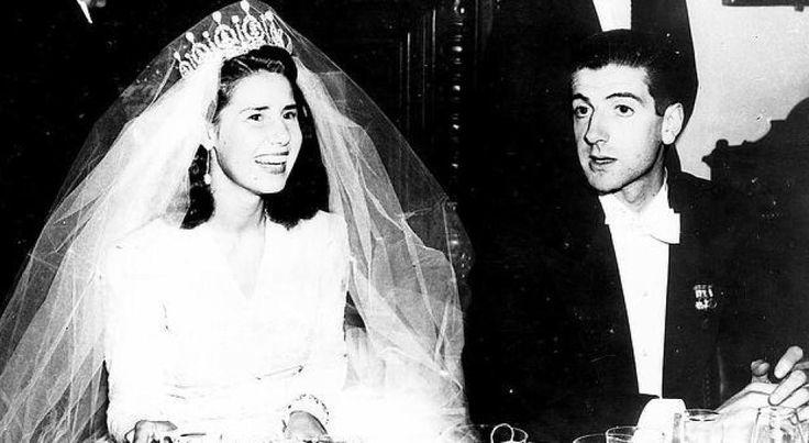 La duquesa de Alba y Luis Martínez de Irujo, el día de su boda (EFE)