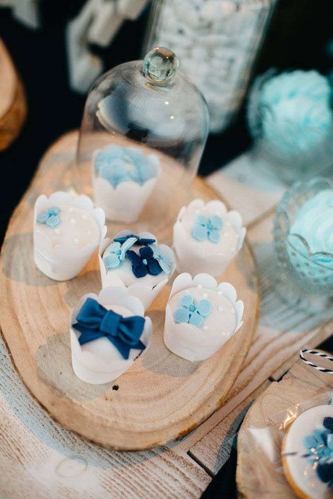 Cupcakes with blue hydrangea