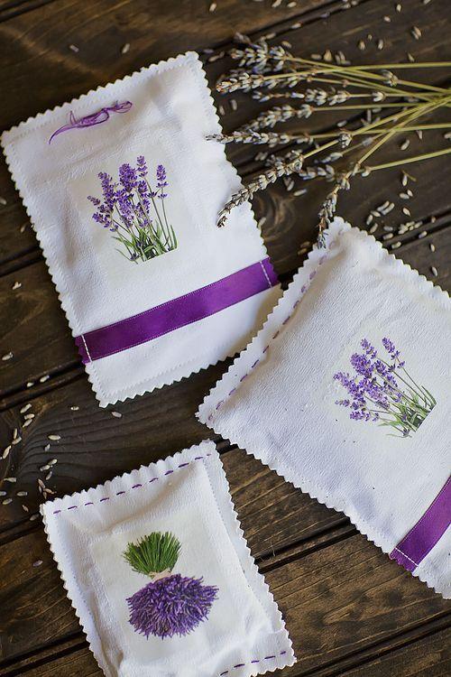 Lavender sachets - http://www.celebrate-creativity.com/my_weblog/2012/09/frenchlavender.html