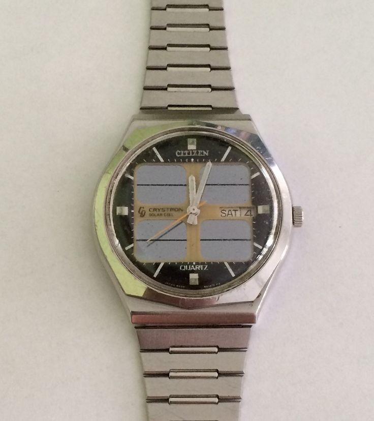 69c77fa5f0ec casio Casio Unisex Gold  Black Resin Strap Watch ( Bundle of Two) F- 91WM-  9ADF. Women  s Rose Gold Watch and Bracelets Gift Set.