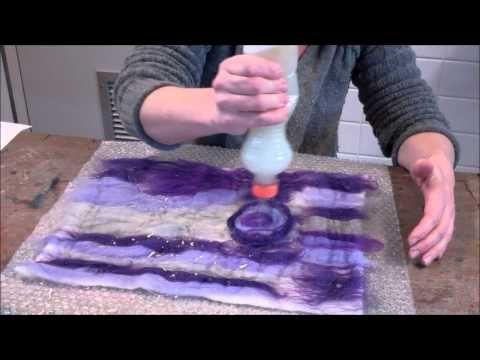 Vilten, vilt maken met behulp van naaldvlies, felt making in Dutch