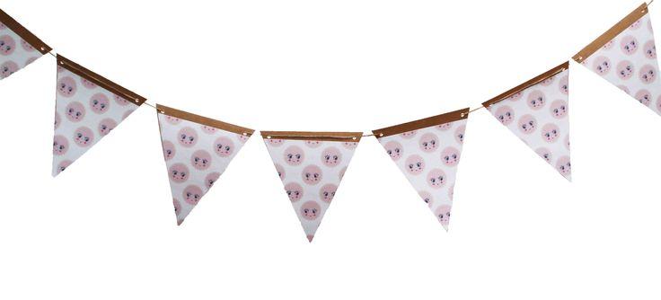 Garland diy craft Cookies / vlaggetjes diy craft papier koekjes  #fabsworld #nursery #garland #diy #baby #vlaggetjes #koekje #cookies #biscuit #kids #uitzet #kinderkamer #gift #kado #versieren #feest #fabsstore #fairtrade #handmade #babystuff  #babyspullen #craft  shop:www.fabsstore.com (ship worldwide)