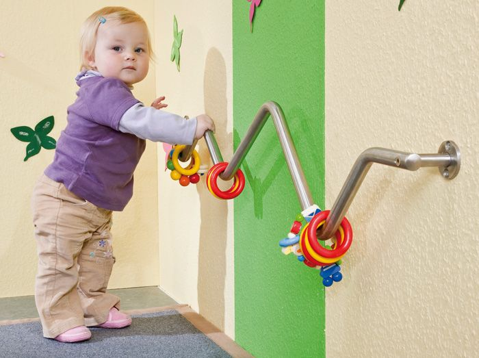 Great idea for an infant toddler climbing bar!