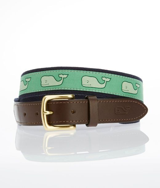 Snazzy and dashing Tonal Whale Canvas Belt from Vineyard Vines is a perfect stocking stuffer! #Holiday #giftguide #forhim