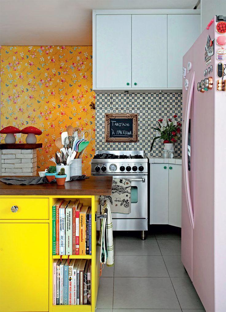 Cada espaço da casa de Danielle Noce foi pensado para abrigar bem os doces, tema de seus vídeos