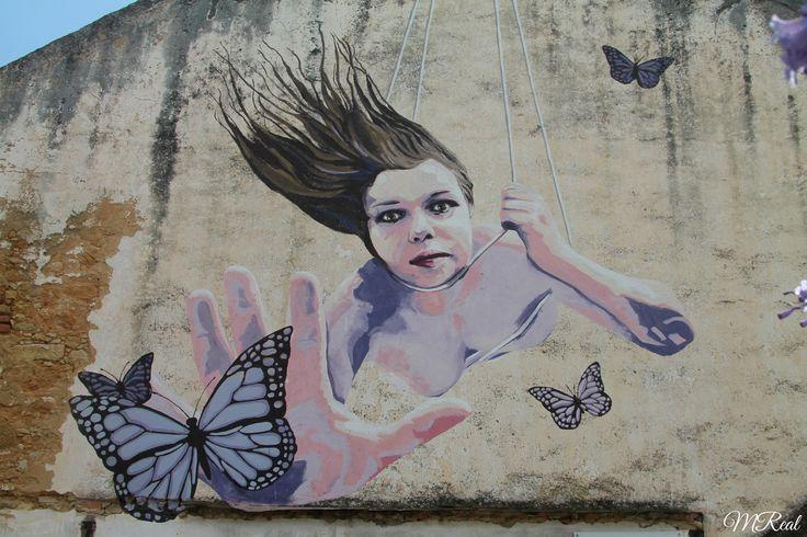 """Grafites nas ruas de Setúbal """"A arte diz o indizível; exprime o inexprimível, traduz o intraduzível."""" Leonardo da Vinci"""