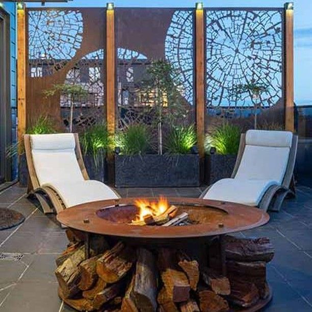 Entanglements Posted To Instagram Small Area High Impact Fire Pit And A Comfy Lounge All You Need Now Is Wine Summer Feuerstelle Lounge Gemutlich