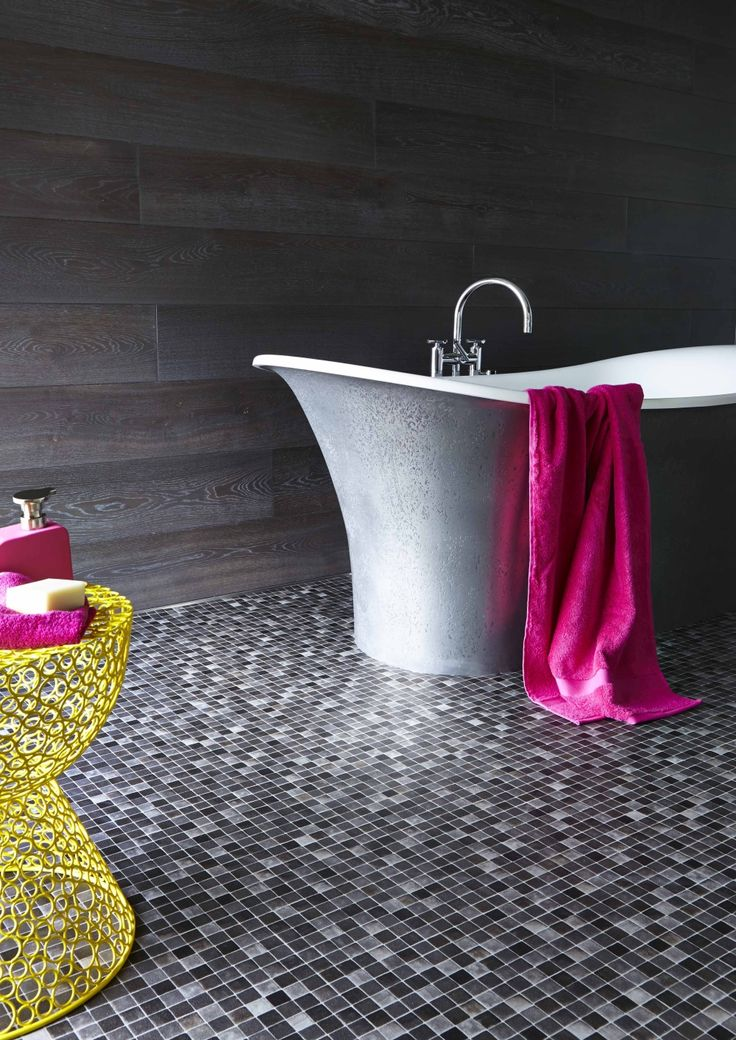 Opulence and glamour; a bathroom with style! #interior #design with a pop of colour