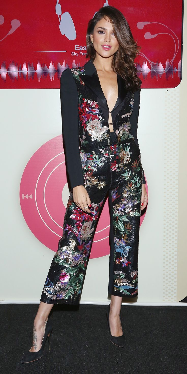 Eiza González stunned at the Mexico City premiere of her film Baby Driver in this super-chic Zuhair Murad ensemble: a matching floral co-ord featuring a plunging neckline and ankle cropped hem.