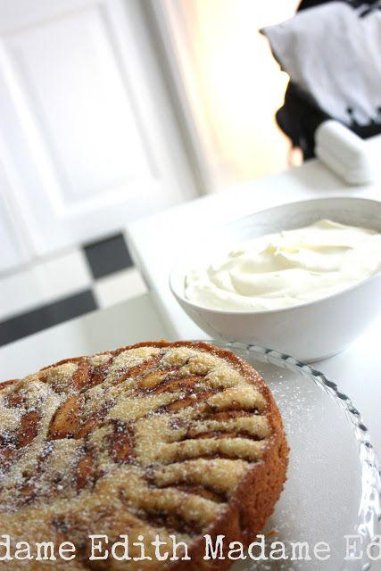 Madame Edith - Recept: Fyriskaka, en sockerkaka med äpplen!