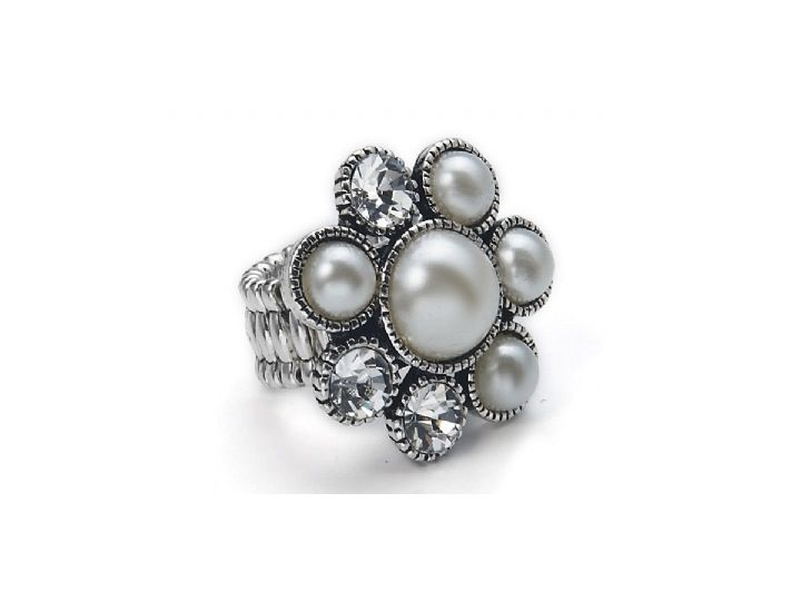 Cute ring combines faux pearls and crystals into a lovely flower design. One size fits all ring. £10.00