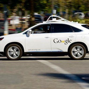Google's self-driving car hits bus in California @darwinsnews #darwin