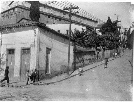 Ladeira Porto Geral fotografada por Aurélio Becherini em 1909 - Acervo da Secretaria Municipal de Cultura
