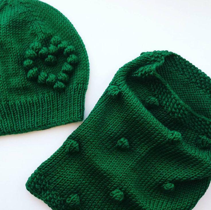 "224 Beğenme, 4 Yorum - Instagram'da Шапки!Кардиганы!Свитера! (@irina_shadrina.knit): ""#knitwear#knitstagram#knit#knits#knitting_inspire#handmade#knittersofinstagram#knitter#инстамама#шапкаспонпоном#вяжутнетолькобабушки#ручнаяработа#своимируками#аксесуары#knitting#familylook#малышам#вязаннаяшапка#шапки#помпон#мамадочка#ямама#варежки#vscoknitting#vscoknit#vscocam#зима#новыйгод#подарок#такори"""