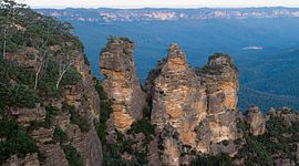 Three Sisters (Australia) - Wikipedia, the free encyclopedia Climbed and abseiled