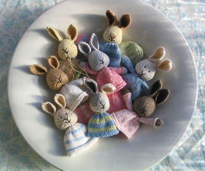 Easter knits: http://littlecottonrabbits.typepad.co.uk/my_weblog/2010/02/hooray-for-february.html