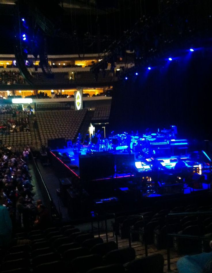 Sting and Paul Simon live in Dallas Texas at the American Airlines Center