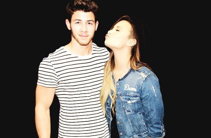 Demi Lovato & Nick Jonas - Neon Lights Tour