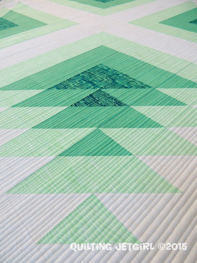 Triangle Transparency quilt by Yvonne | Quilting Jetgirl. Matchstick quilting. 2015 Bloggers Quilt Festival.