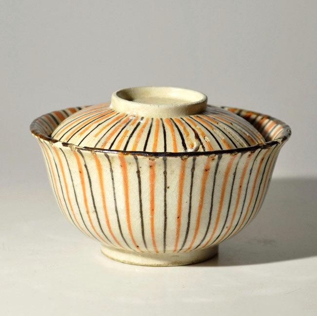 Japanese Antique Mingei Folk Seto Mugiwara lidded bowl Meiji period 19th century.