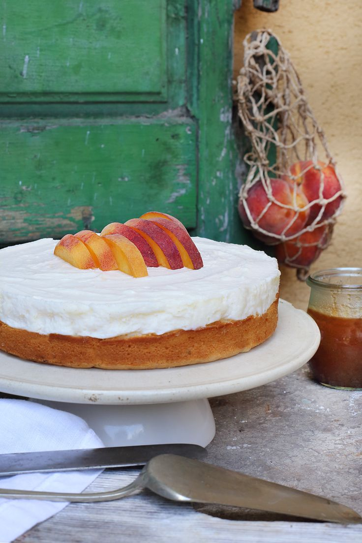 Peach and rosemary mascarpone cake / Zita Csigó Photography&Styling