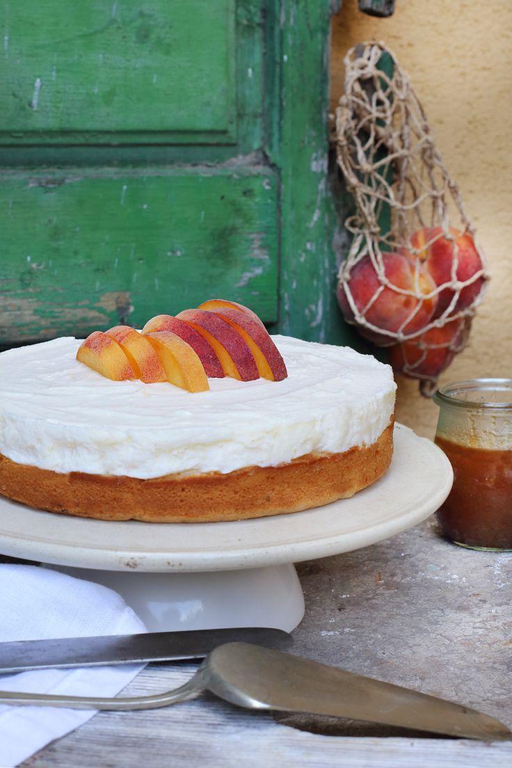 Peach and rosemary mascarpone cake / Zita Csigó Photography&Styling