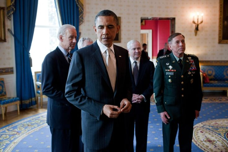 Is Obama Displaying Symptoms Of Paranoid Schizophrenia? New Details Emerge Of Obama's Behavior With His Top Generals...