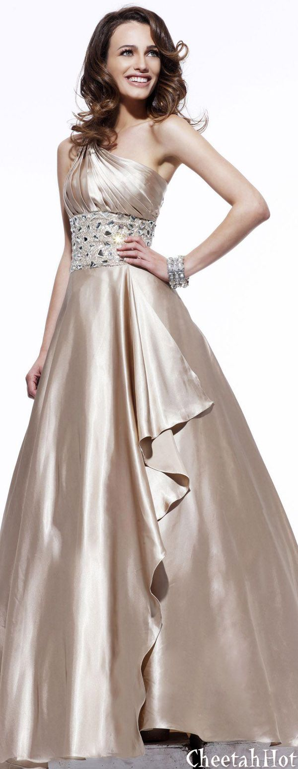 best pretty dresses and gowns images on pinterest beautiful