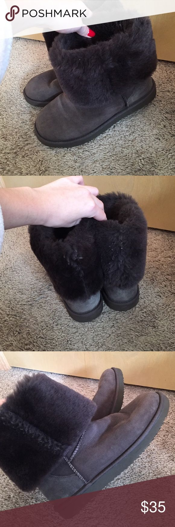 """Boots (8) Boots (8)- not sure which brand but bought at Costco. Closest thing to real uggs feel// warmth. Only worn a couple times- they are """"tall sized"""" but I roll them down. Shoes"""