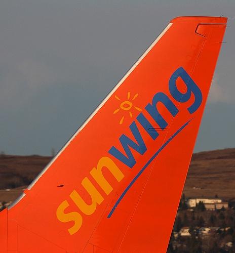 SUNWING B737