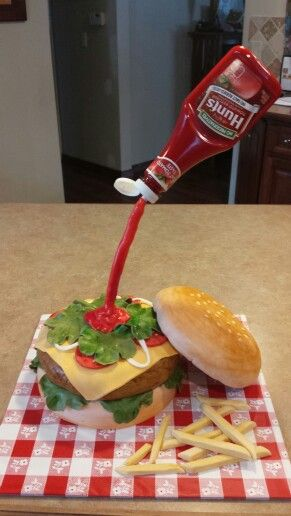 Hamburger cake - gravity defying