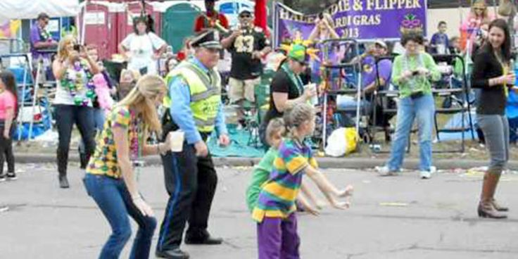 New Orleans Police Detective Gets Down With The Wobble Dance At Mardi Gras (VIDEO) The Huffington Post  | by  William Goodman