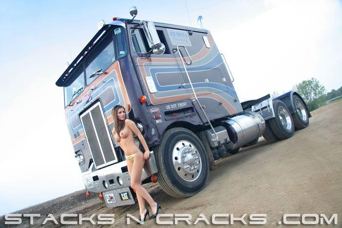 78 best stacks an cracks images on pinterest big trucks biggest truck and truck accessories. Black Bedroom Furniture Sets. Home Design Ideas