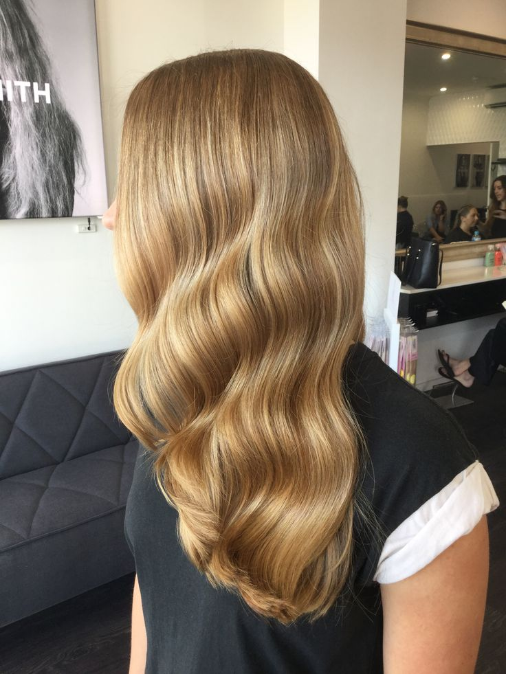 Warm tones and a soft wave