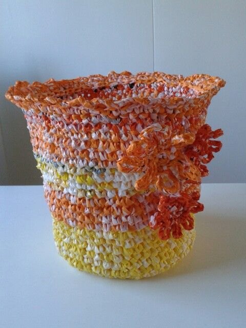 Riittaprodukt... virkat av återvunna plastkassar