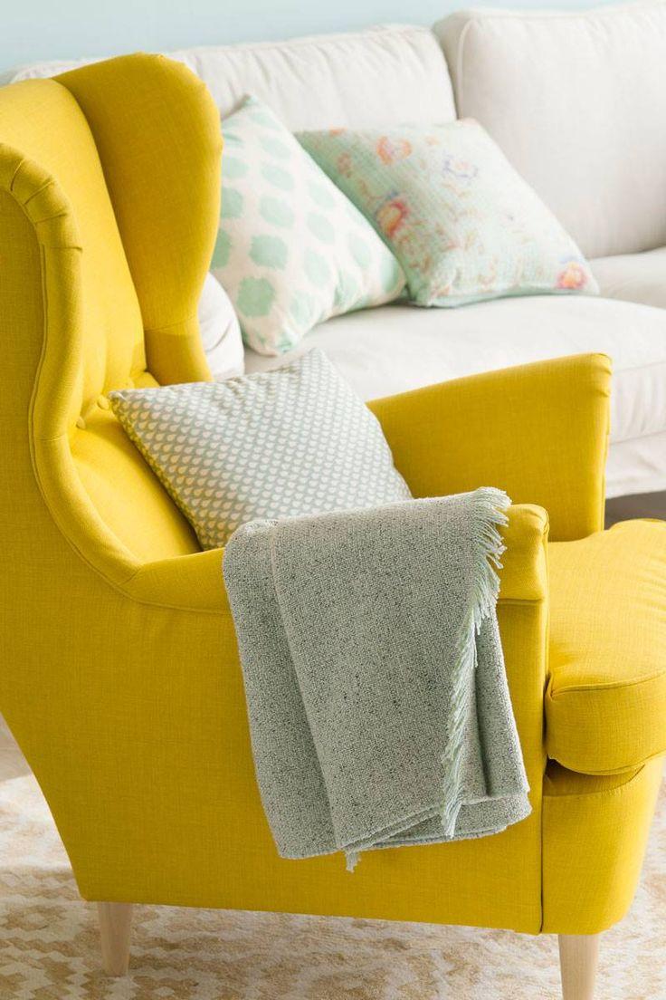 50 muebles que no pasan de moda Plaid Gris, Hacienda Decor, Fancy Houses, Color Of Life, Minimalist Home, Small Apartments, Wingback Chair, My Room, Love Seat