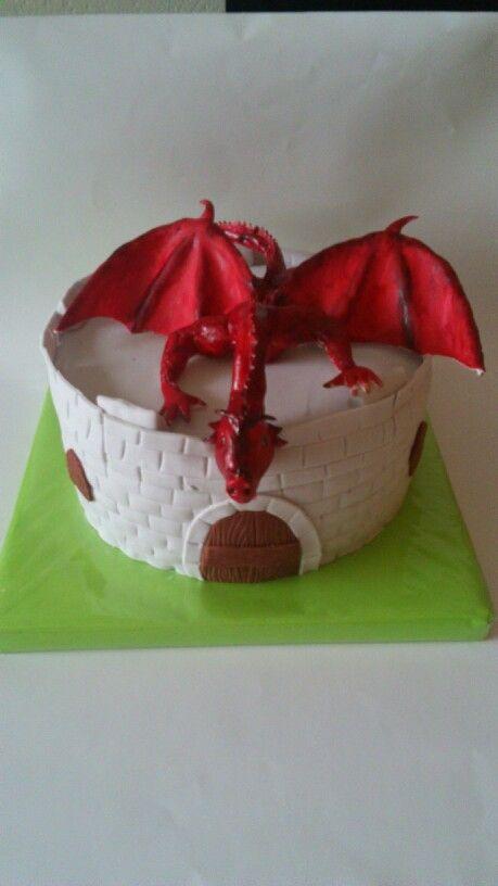 Dragon cake!
