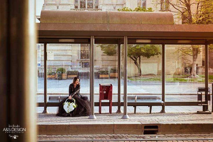 MyTa is An Attitude!  Un'esperienza fotografica fatta di tulle, fiori e glamour!  My Ta Editorial Photography + PostProduction: Sara Grandieri Stylist: Tamara Milia Flower Designer: Corinna Brilli - ULTRAViOLET