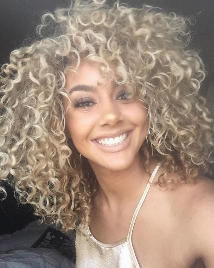 #repost Sweet smile & blonde curly hair! @?@goldennn_xo #curlyhair…