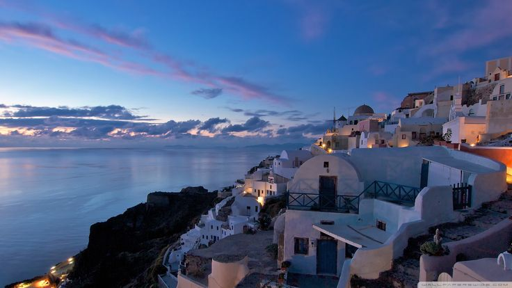 By the majestic sunset, is another great wedding proposal...!  #weddingproposal #Santorini #Greece