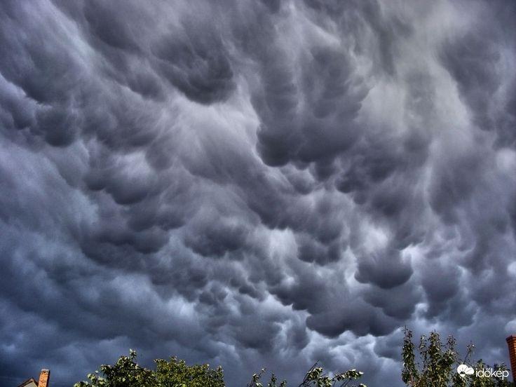 Mammák, színes felhők