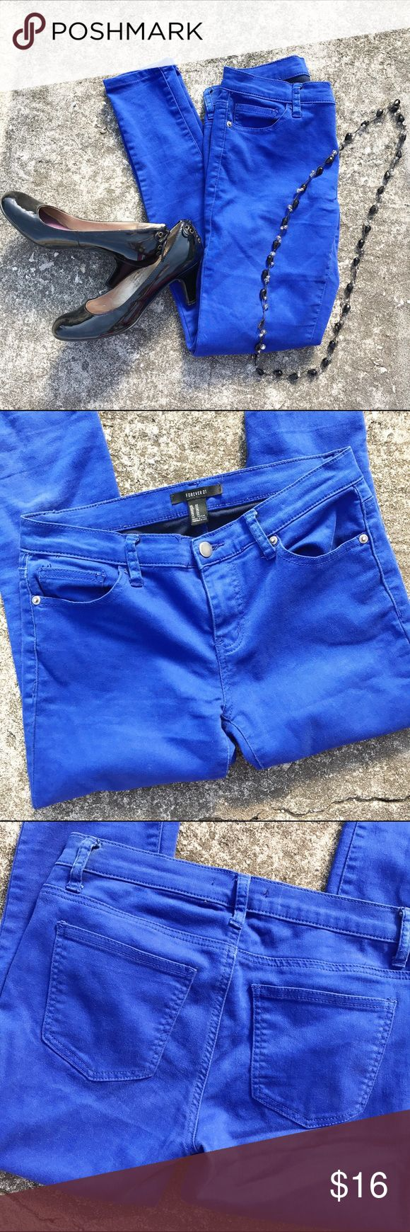 "Forever 21 Electric Blue Stretch Skinny Leg Jeans Size 27 with a 29.5"" inseam.  Electric blue stretch skinnies. Soft like jeggins but more structured like a jeans. Forever 21 Jeans"