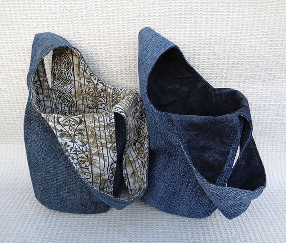 Elemento assolutamente unici fatti a mano sacchetto - borsa knot giapponese. Dono grande e insolita per una ragazza moderna ed elegante. tessuto riciclato al 100%. Legami di una maniglia di alimentazione in un altro. Molto comodo come un bracciale / mini borsa per fare una passeggiata o per fare shopping. Esterno, fodera in cotone denim. Dimensione. Più ampia quando apre 7 3/4. Profondità appx 6. Può essere ordinato più grande formato, si prega di chiedere. Lavabile in lavatrice...