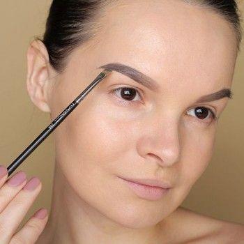 Серые водостойкие тени для макияжа бровей с кисточкой.